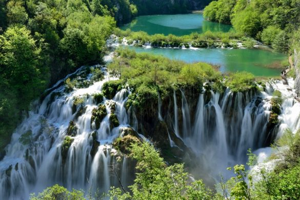 Spring at Plitvice Lakes – day trip, 25 March, Saturday
